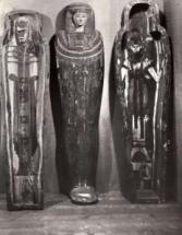Sarcofagen, te zien bij Tentoonstelling De Mensch
