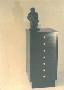 Eikenhouten ladenkastje met brons van John Rädecker